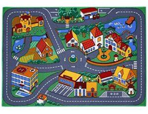 Ein Spielteppich mit einer Straße zum Spielen.