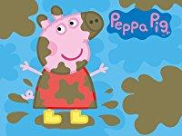 Peppa Wutz spielt im Schlamm